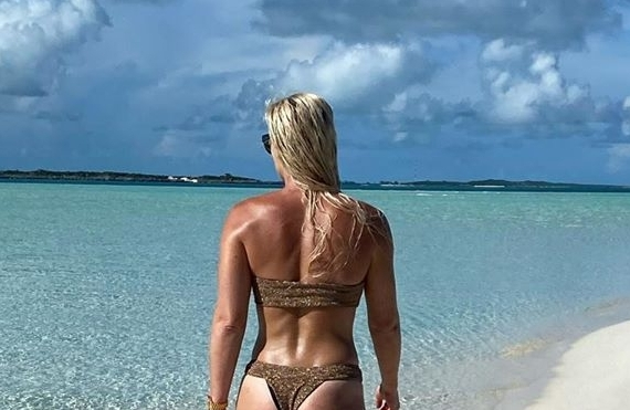 Lindsey Vonn Says Goodbye to the Bahamas