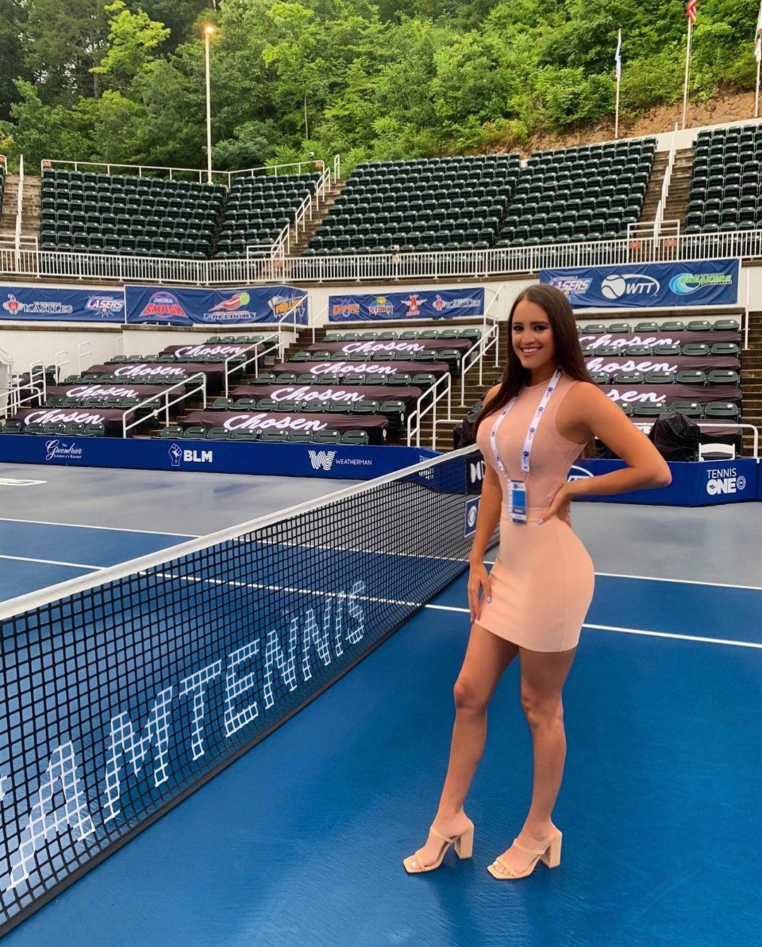 Photo n°2 : L?animatrice de tennis Rachel Stuhlmann fait tourner les têtes à l?US Open!