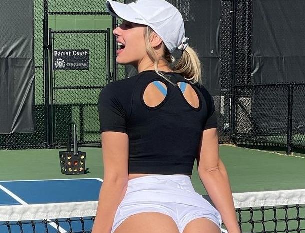 Instagram Model Emerald Kisses Hit the Tennis Court