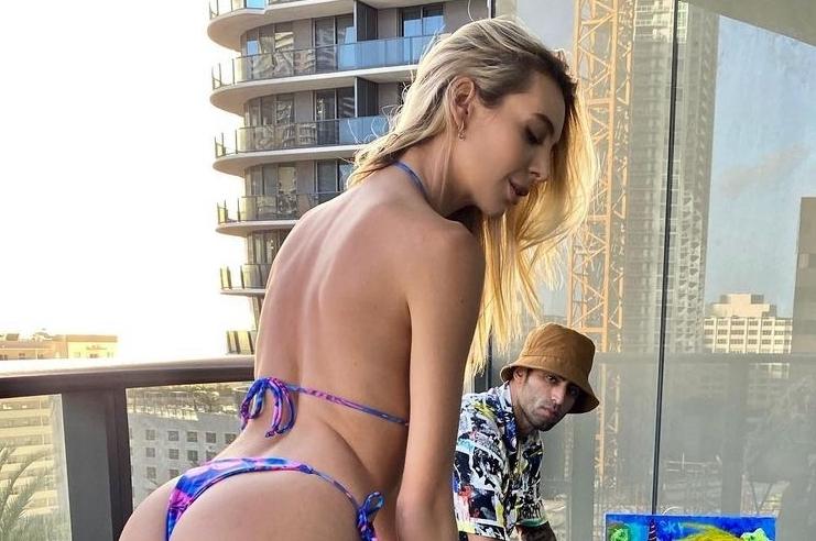 IG Model Bri Teresi Sinks a Hole in One in a Bikini