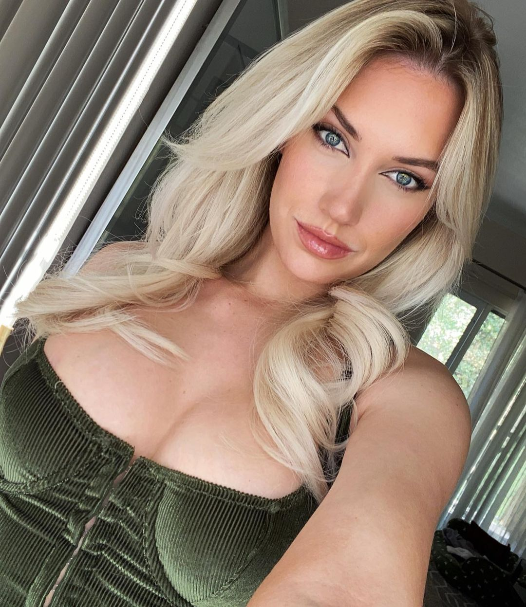 Paige Spirinac and Her Cleavage Roll Out the Red Carpet for the NFL Season! - Photo 2